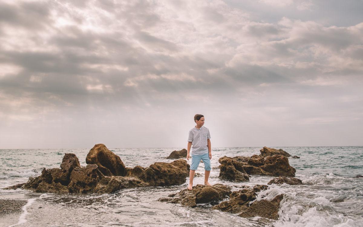 Gonzalo en la playa.